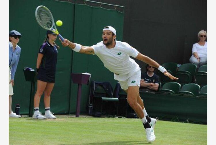 Berrettini porta l'Italia in semifinale a Wimbledon dopo 61 anni