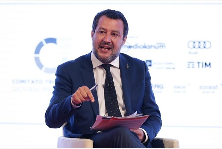 """Salvini """"Da Pd e M5s solo problemi, Governo avanti anche senza Conte"""""""
