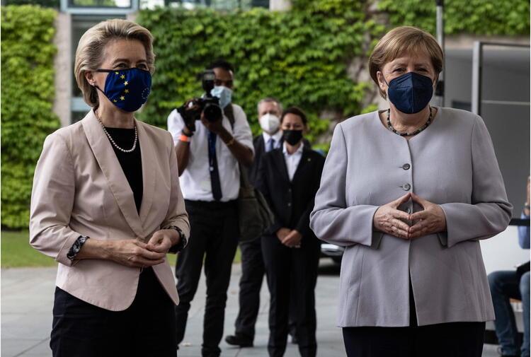 Europei, von der Leyen e Merkel si congratulano con Italia