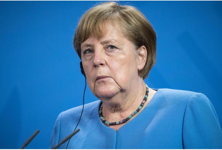 Covid: Merkel, con più vaccinati torneremo a libertà