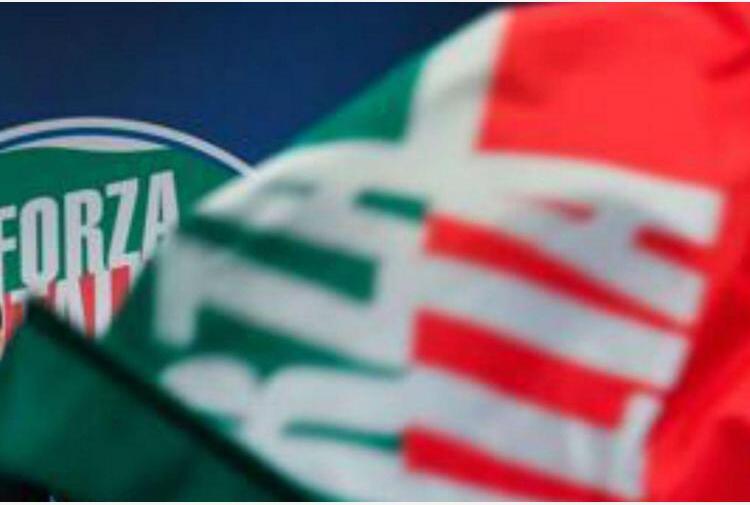 Forza Italia, Berlusconi continua a 'salvare' i conti in rosso del partito