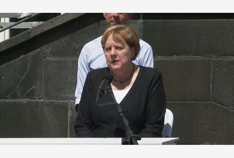 Merkel: alluvioni servano a forgiare politica su sfida del clima