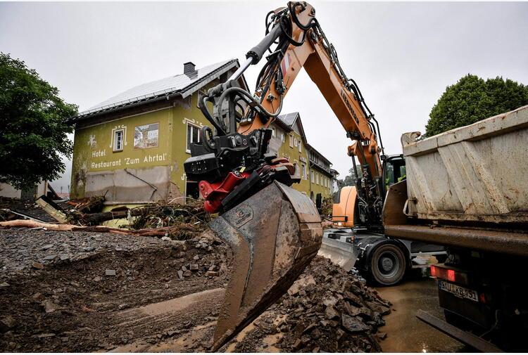 Maltempo: Merkel oggi sui luoghi della alluvione