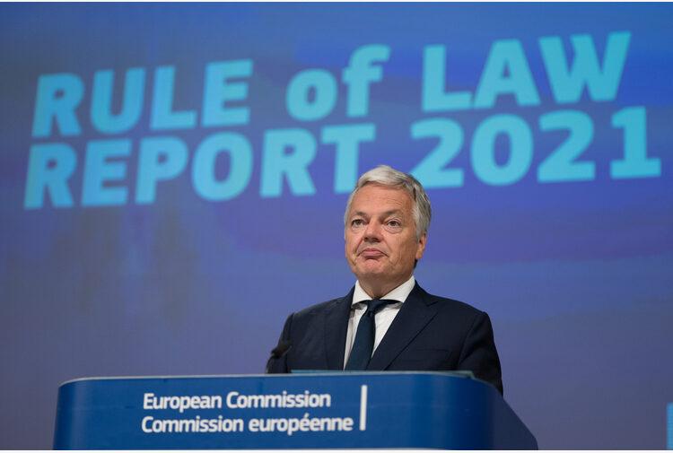 """Stato di diritto, ultimatum da Bruxelles alla Polonia: """"Rispetti decisioni della Corte UE entro 16 agosto o sarà sanzionata"""""""