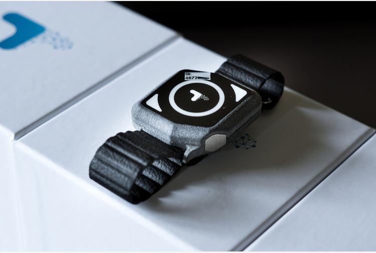 Covid: un braccialetto 'smart' monitora pazienti a domicilio