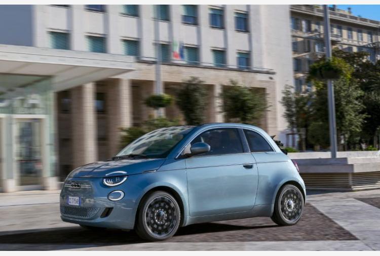 Fiat premia i piu' virtuosi guidatori europei di nuova 500