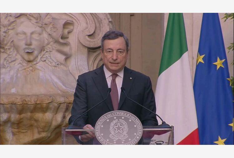Draghi gela Salvini: l'invito a non vaccinarsi è a morire