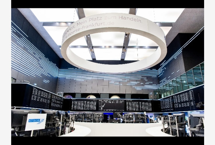 Borsa: Europa in rialzo attende Bce, Milano +1,1%