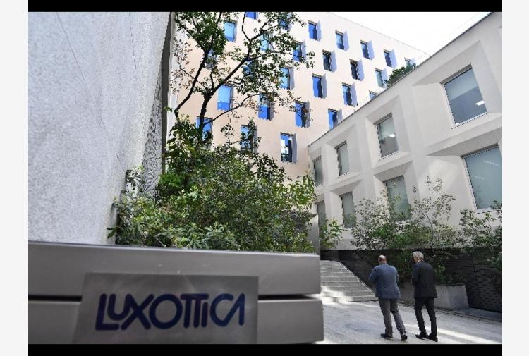 Antitrust francese, multa da 125 milioni a Luxottica