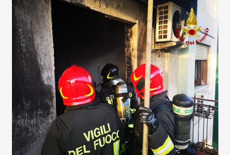 Incendio doloso a Modena dopo una lite: 21 feriti, due in gravi condizioni
