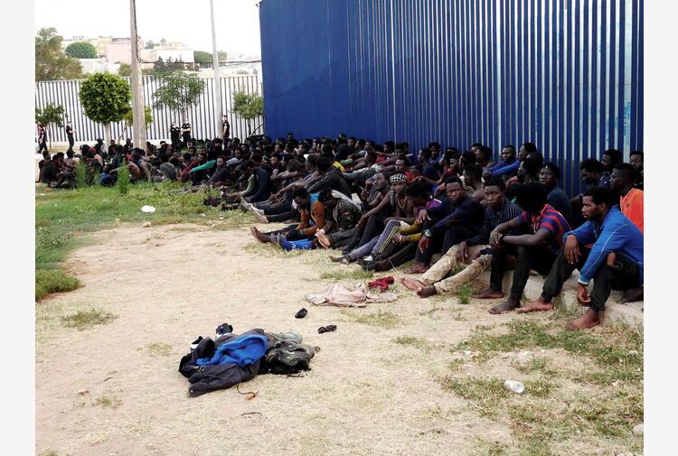Migranti: Melilla, il Marocco blocca 150 persone al confine