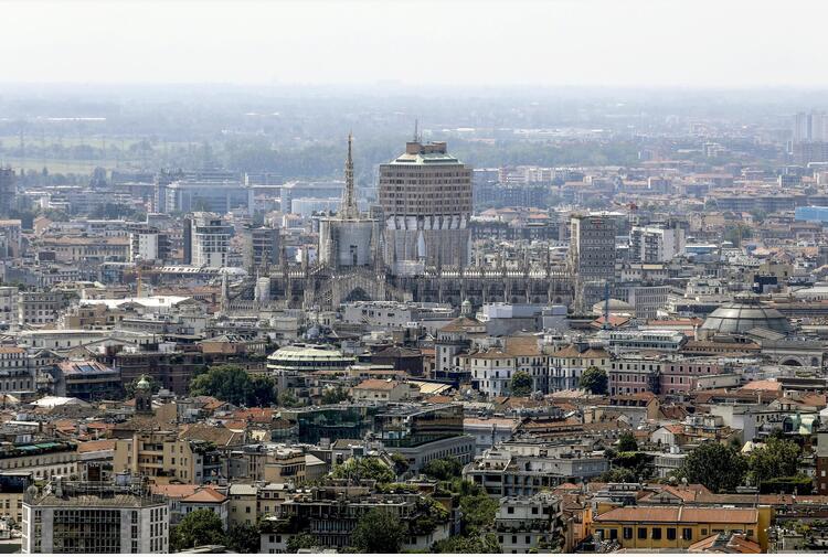 Covid: in Lombardia tasso di positività in crescita all'1.6%
