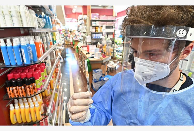 Farmacie Roma,assalto per green pass,non siamo stamperie