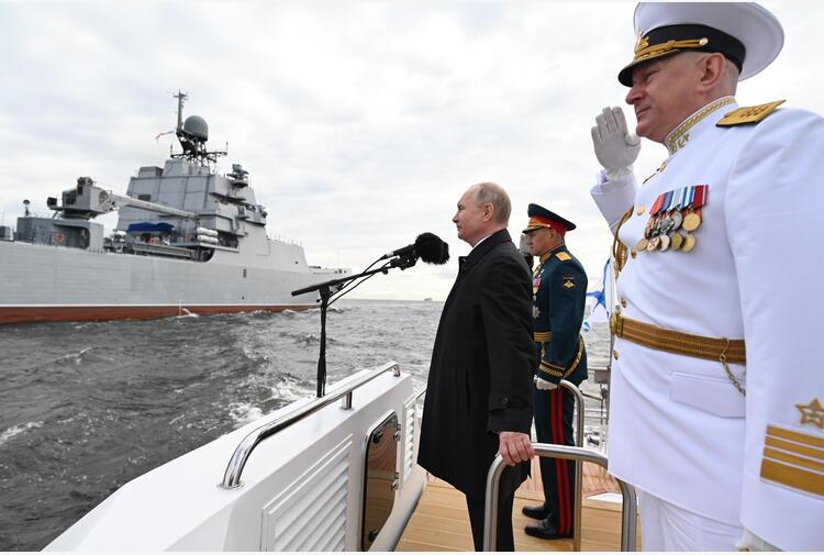 Putin, la flotta russa è in grado di sferrare attacchi letali