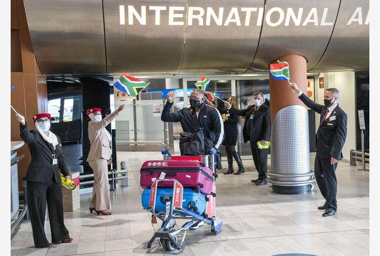 Sudafrica: Ramaphosa, 'superato picco terza ondata'