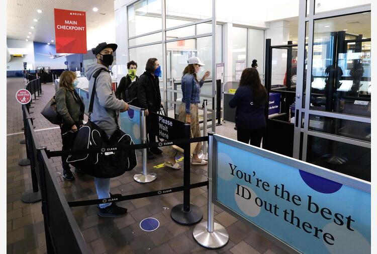 Balzo casi e Delta, Usa mantengono le restrizioni ai viaggi