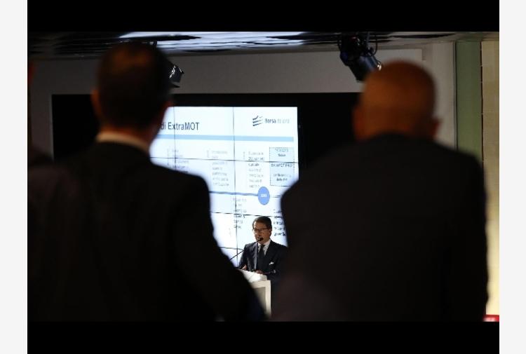 Borsa: Milano riparte (+0,2%) bene Prysmian e Tenaris