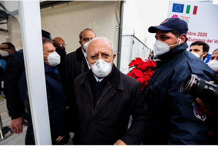 Covid Campania, De Luca: 'Obbligo mascherine? Farò altre 10 ordinanze'