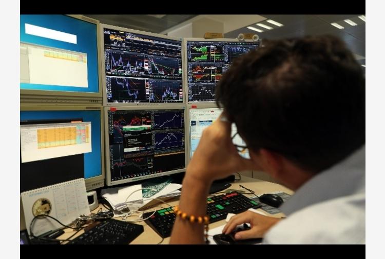 Borsa: Milano cede l'1% con Unicredit, Carige non fa prezzo