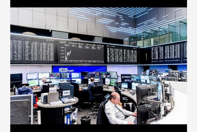 Borsa: Europa in rosso in scia Asia, Milano cede lo 0,83%