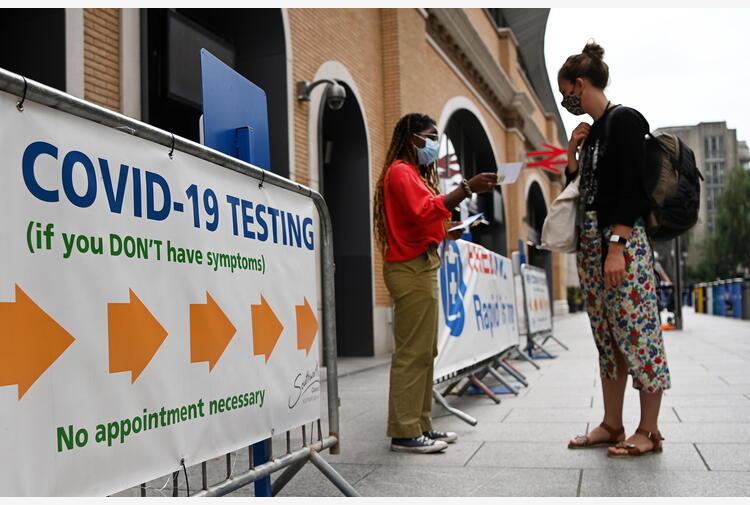 Covid: Gb revoca quarantena per vaccinati da Ue e Usa