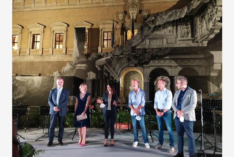 Piazza Farnese, Raggi 'Diamo luce ai luoghi simbolo di Roma'