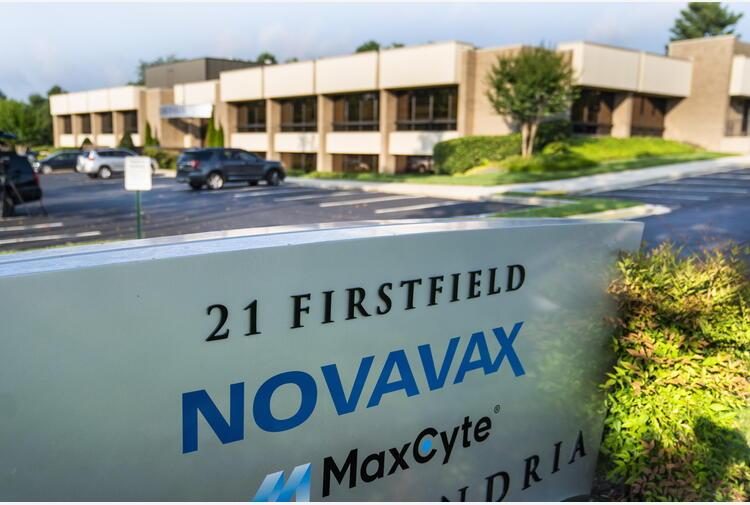 Vaccini: Ue firma contratto per 200 mln di dosi di Novavax