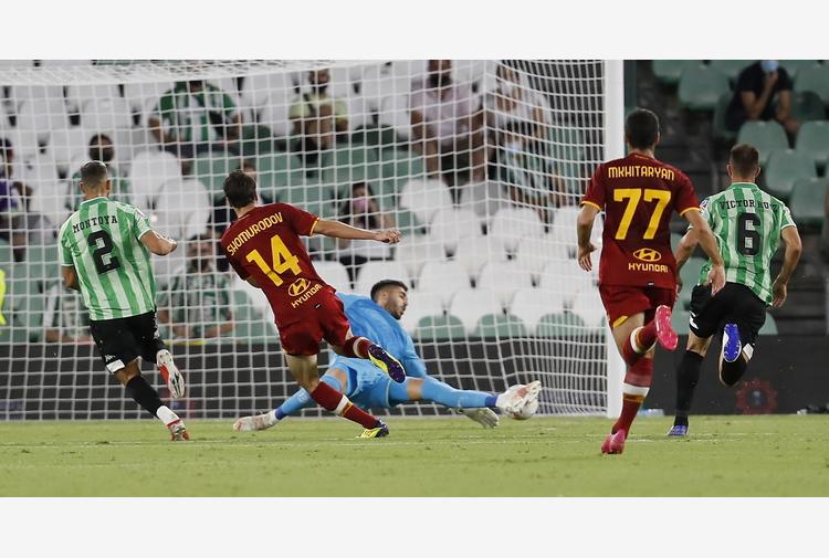 Amichevole Betis-Roma; Pellegrini e Mourinho espulsi