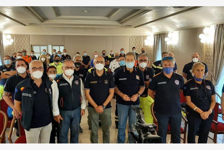 Incendi in Sicilia, Musumeci e Curcio 'Grazie ai volontari'