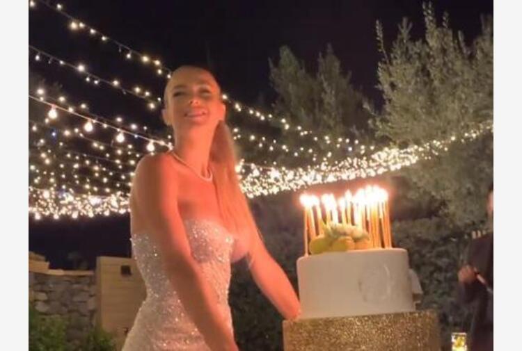 Diletta Leotta, 30 anni 'white and shine' ma senza Can Yaman