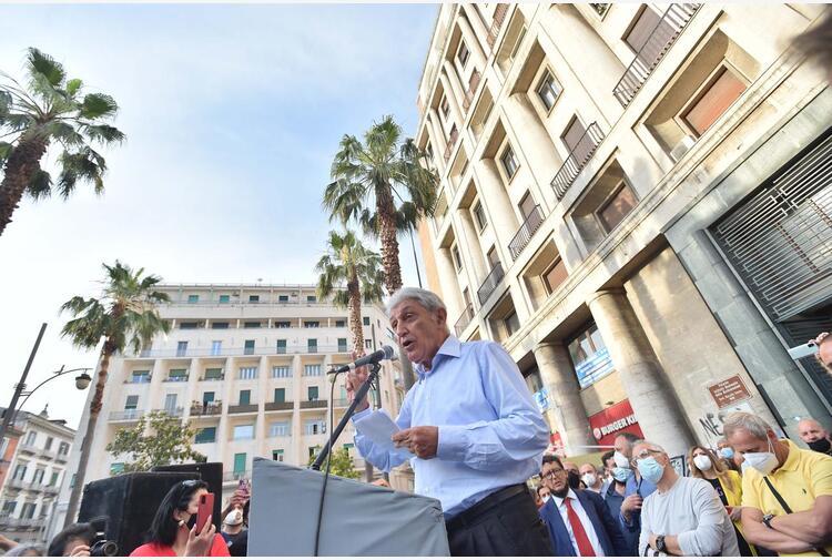 Napoli, Bassolino: 'Città scassata, io so fare il sindaco'