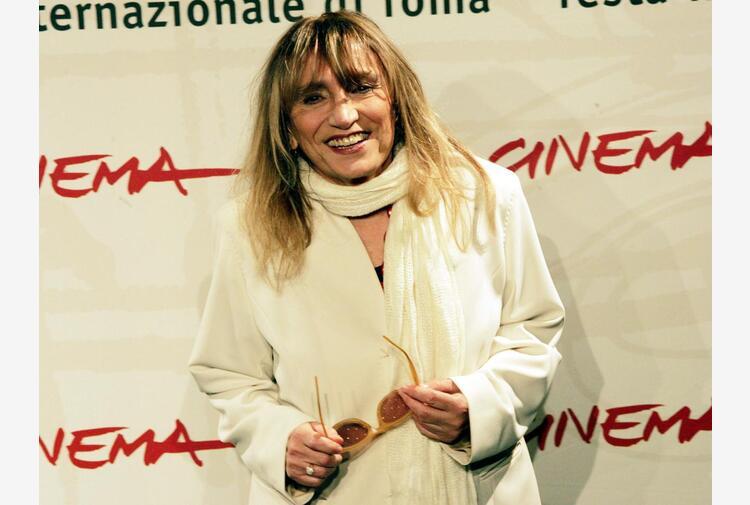 Cerimonia funebre laica in Campidoglio per estremo saluto a Piera Degli Esposti, il ricordo di Dacia Maraini