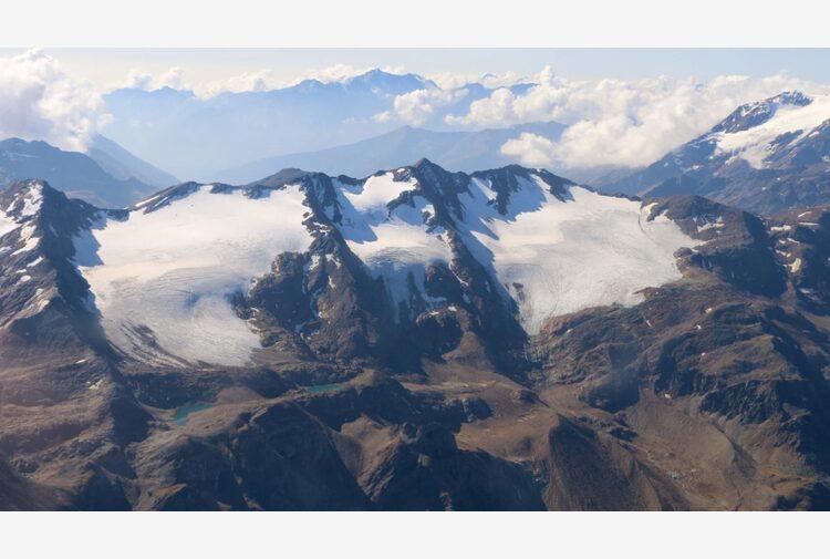 """L'allarme di Legambiente e Cgi: """"Entro fine secolo spariranno i ghiacciai"""""""