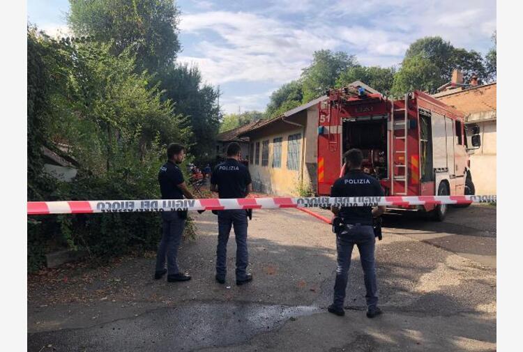 Torino, crolla palazzina vicino a tangenziale: morto bimbo di quattro anni