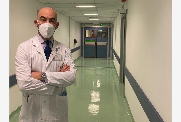 Bassetti minacciato e insultato sotto casa da un no vax