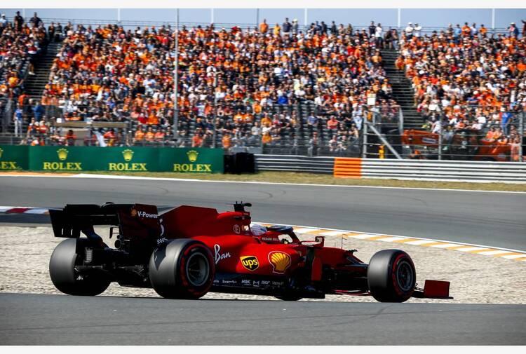 Venerdì rosso in Olanda, Leclerc e Sainz guidano le libere