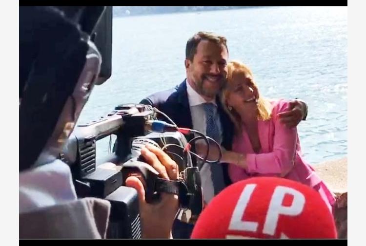 Salvini e Meloni si abbracciano, prove tecniche di governo