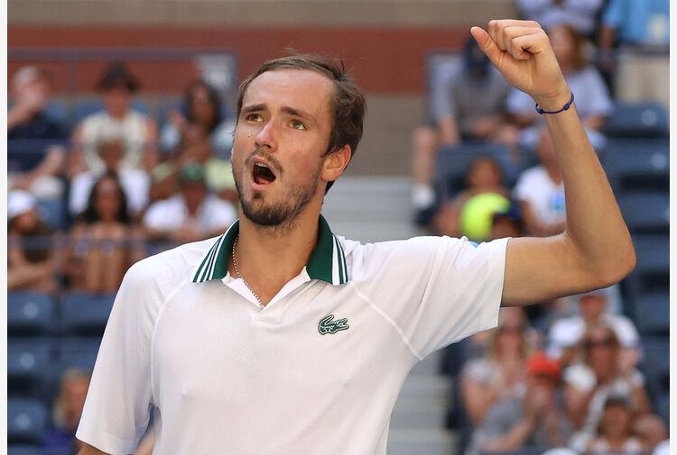 Medvedev non fa sconti: è di nuovo in semifinale agli Us Open