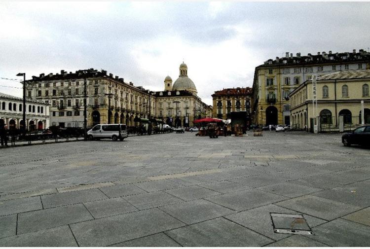 Torino, immigrato accoltellato e ucciso in piazza della Repubblica