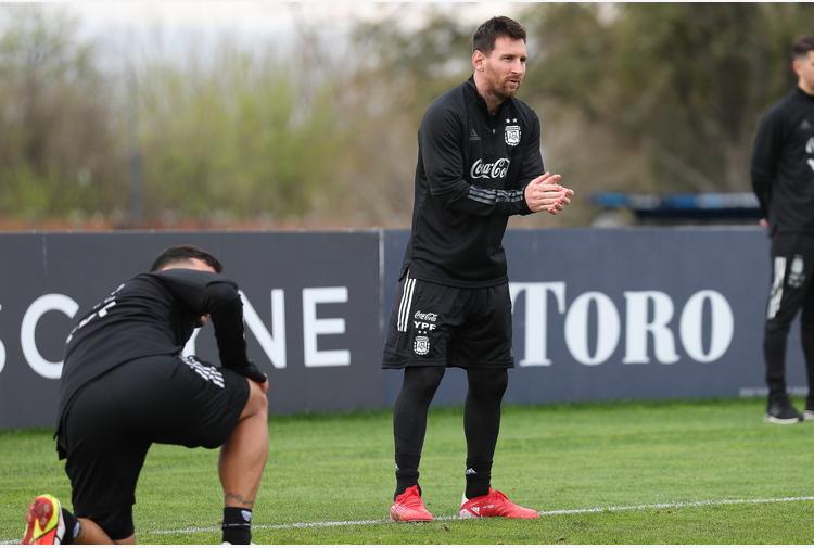Mondiali: Messi, felice di ritrovare pubblico negli stadi