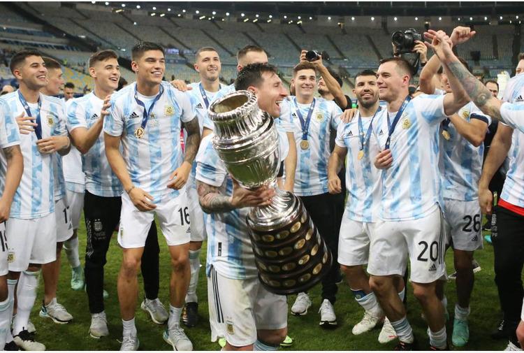 Calcio: Messi 'Prima di vincere Coppa America trattati come falliti'