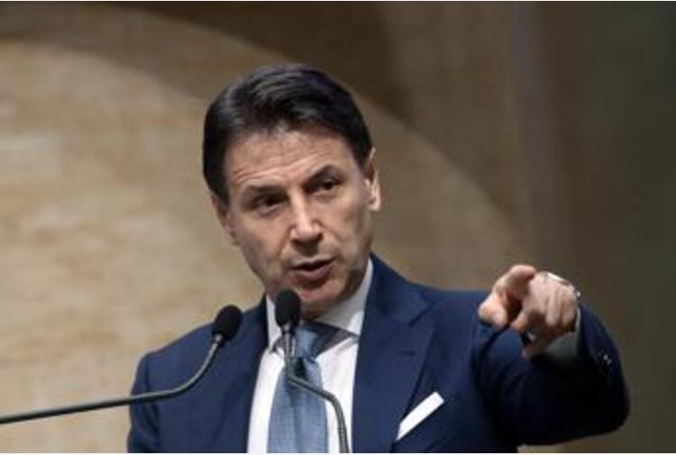 No vax, Conte: 'Aggressivi, tentano di compromettere libertà altrui'