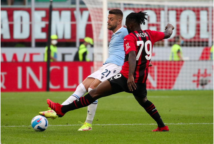 Calcio: Milan; Scaroni, cauto ottimismo per rinnovo Kessié