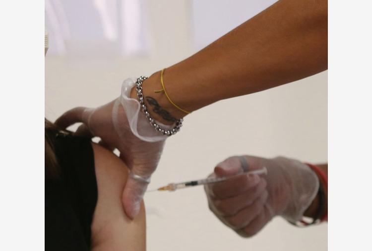 Toti 'La campagna vaccinale entri nei luoghi di lavoro'