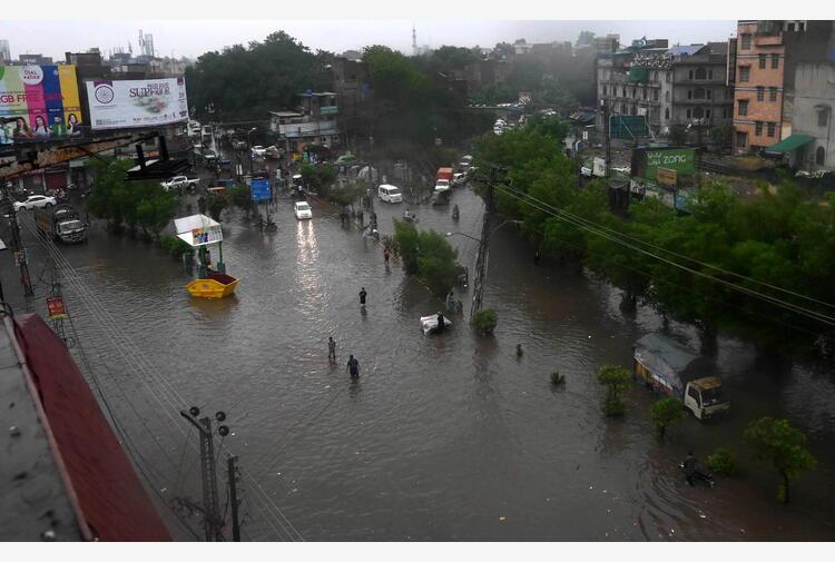 Pakistan: altri 18 morti per monsoni, 182 da inizio stagione