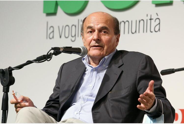 Green pass e obbligo vaccinale, Bersani: 'Io userei entrambi'