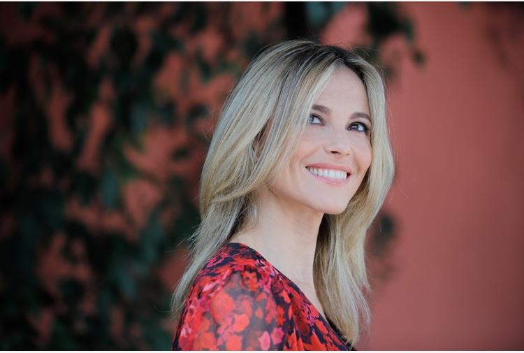 Francesca Fialdini, racconto il Paese e chi ha avuto coraggio