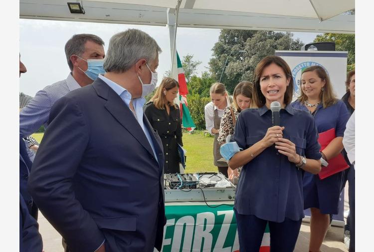 Amministrative Napoli, Tajani 'Liste escluse? Partita è apertissima'