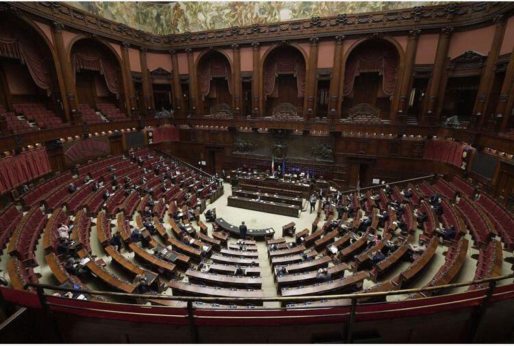 Covid: Governo pone questione fiducia alla Camera su dl Green pass