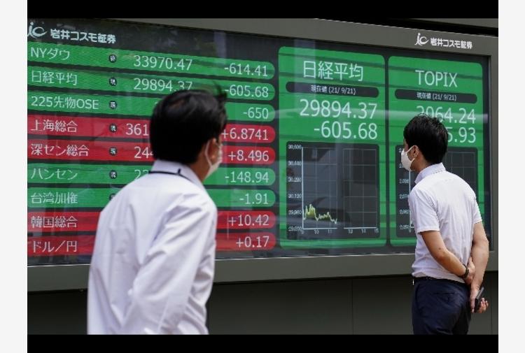 Borsa: Asia debole ma senza panico, scivola Evergrande